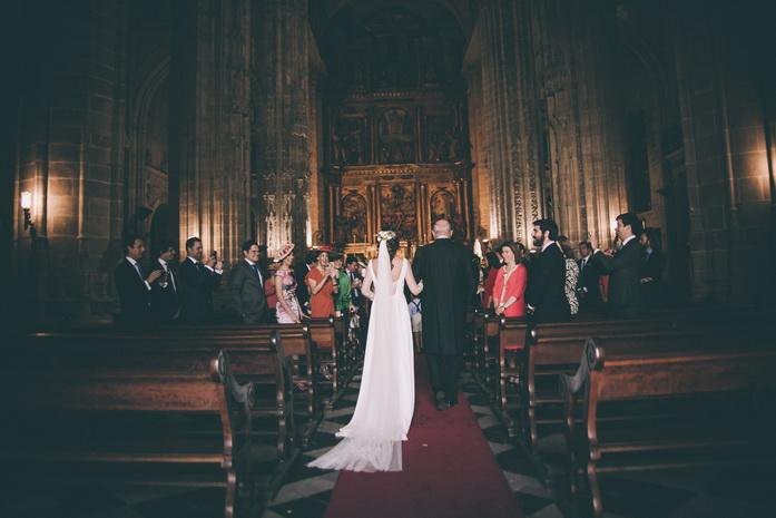 La novia se dirige al altar