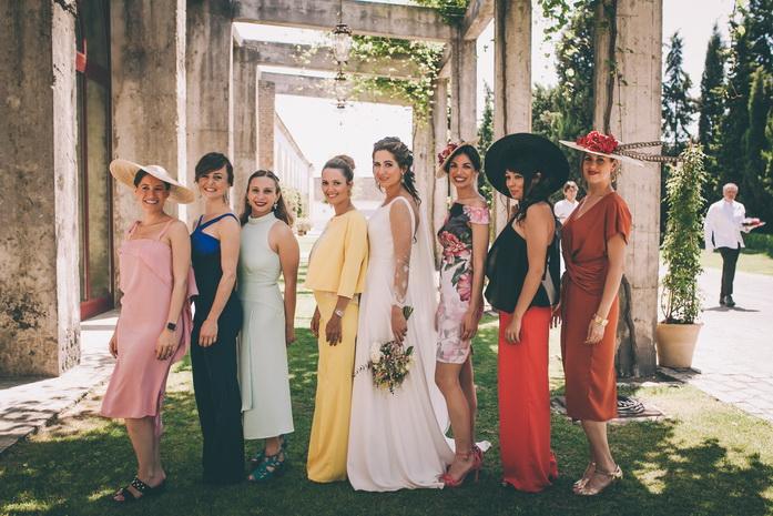 Foto de la novia con su amigas