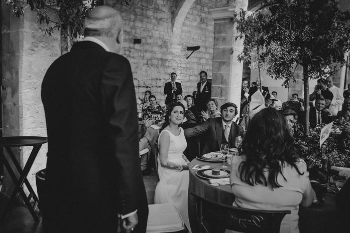 la novia llora en el discurso de su padre